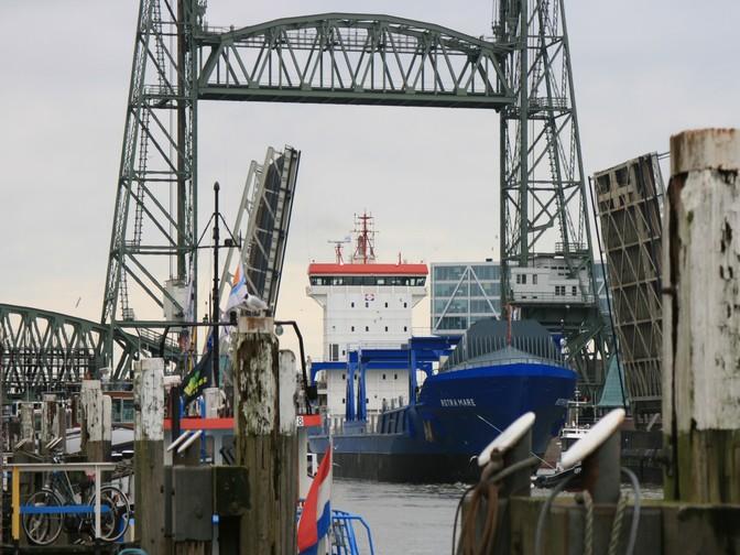 Loading Rotra Mare Concordia Group
